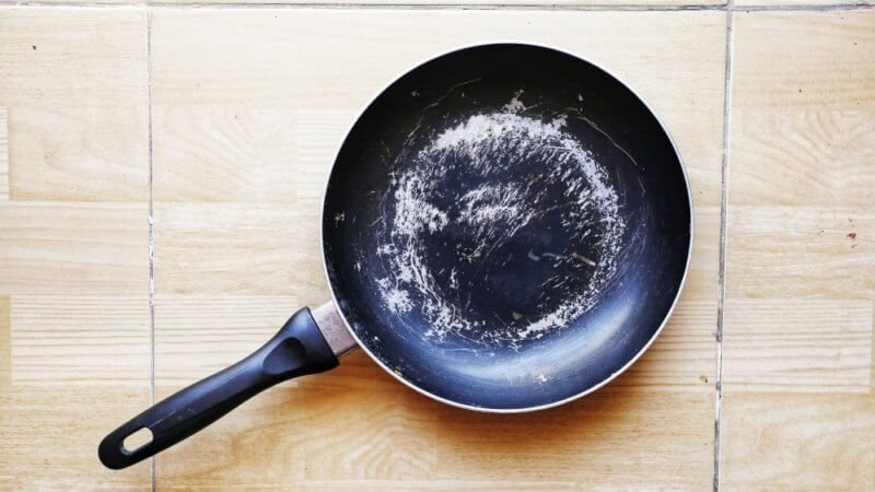 When they are scratched and peeling is when to throw away non stick